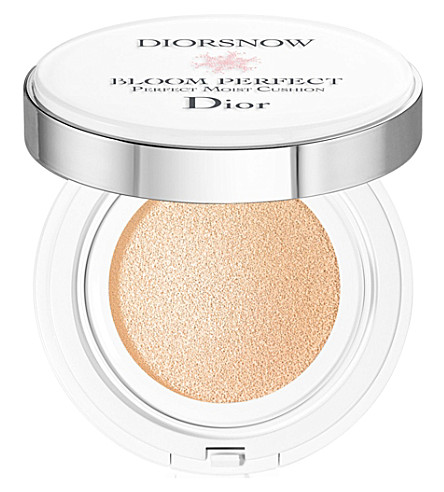 Diorsnow Bloom Perfect Brightening Perfect Moist Cushion Spf50 Pa+++ by Dior