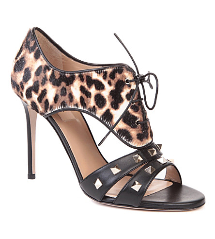 VALENTINO Rockstud calf hair and leather sandals (Blk/brown