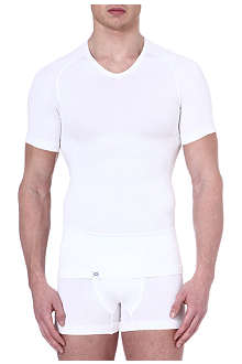 EQUMEN Core Precision v–neck t–shirt