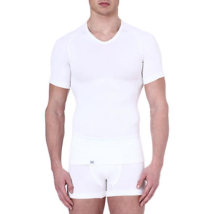 EQUMEN Core Precision v–neck t–shirt (White