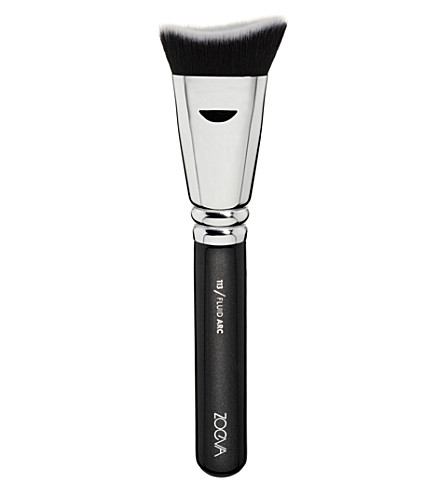 ZOEVA 113 Fluid Arc Brush