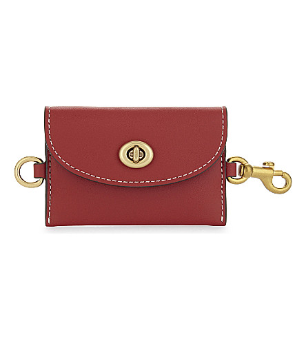 COACH Turnlock glovetanned leather card pouch (Ol/1941+red