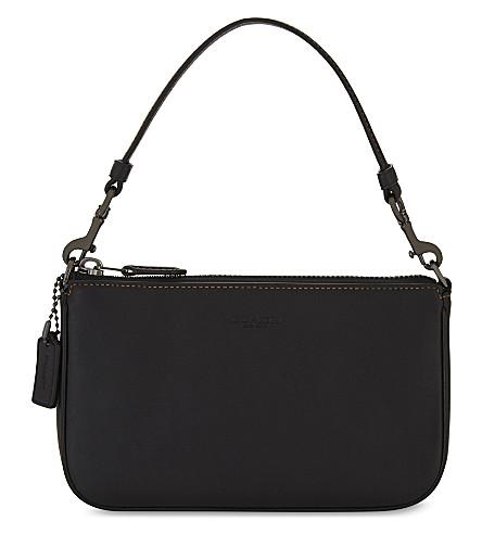 COACH Nolita Wristlet 19 leather clutch (Dk/black