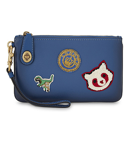 COACH Turnlock 21 patch leather wristlet pouch (Blue