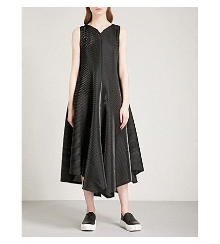 ISSEY MIYAKE Sparkling pleated midi dress (Black