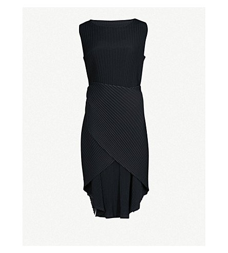 ISSEY MIYAKE Pleated crepe dress (Black