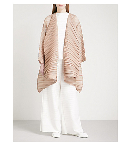 ISSEY MIYAKE Leaf open-front pleated coat (Beige