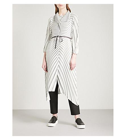 ISSEY MIYAKE Radial pleated coat (Light+grey