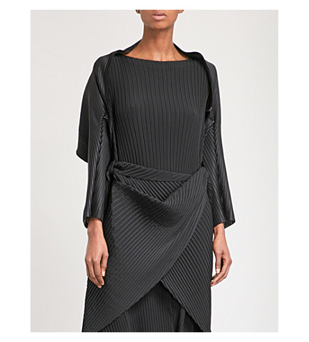 ISSEY MIYAKE Sparkling pleated bolero jacket (Black