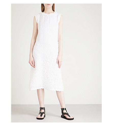 ISSEY MIYAKE Geometric-pleated textured dress (White