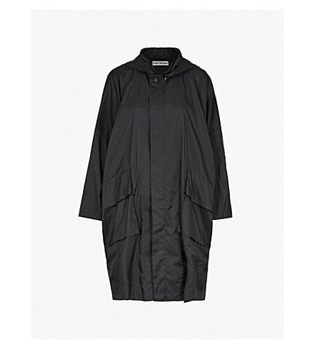 ISSEY MIYAKE Hooded shell coat (Black