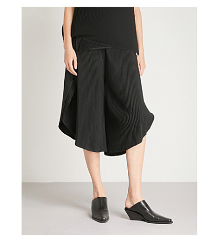 ISSEY MIYAKE Sun wide-leg cropped pleated trousers (Black