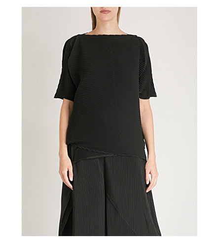 ISSEY MIYAKE Wrap-over pleated top (Black