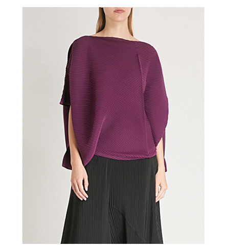 ISSEY MIYAKE Asymmetric pleated top Bordeaux Cheap Pay With Paypal X8ITVUvrw0