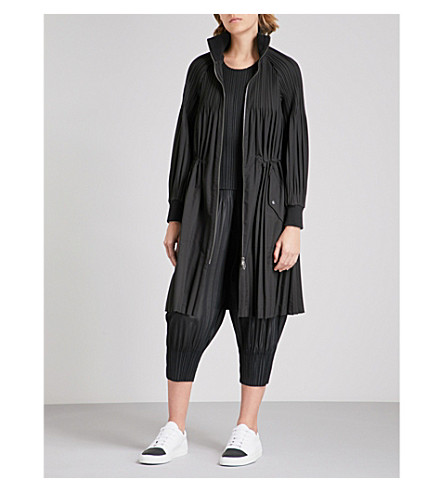 PLEATS PLEASE ISSEY MIYAKE Junty longline pleated bomber jacket (Black