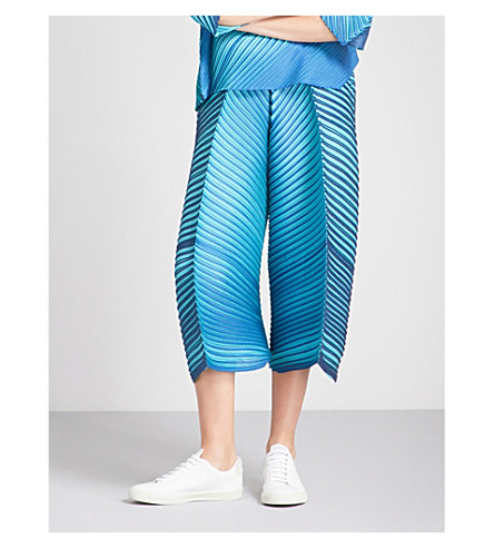PLEATS PLEASE ISSEY MIYAKE Double-faced wide cropped pleated trousers (Blue