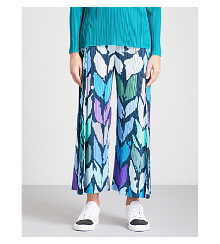 PLEATS PLEASE ISSEY MIYAKE Abstract-print cropped pleated trousers (Navy