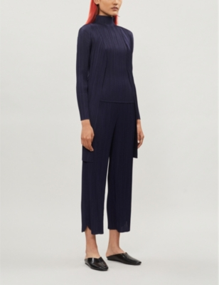 Open-front pleated crepe coat