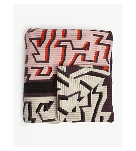 PETER PILOTTO Abstract print knitted throw (Purple+red