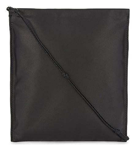 THE ROW 吃药皮革挎体袋 (黑色 + 倍
