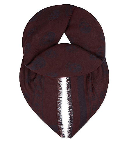 ALEXANDER MCQUEEN All-over skull cotton scarf (Bordeaux/black