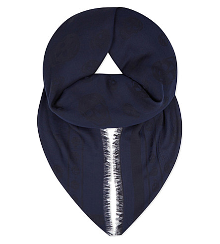 ALEXANDER MCQUEEN All-over skull cotton scarf (Sapphire/black