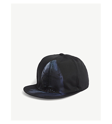 GIVENCHY Shark-printed snapback cap (Black+blue