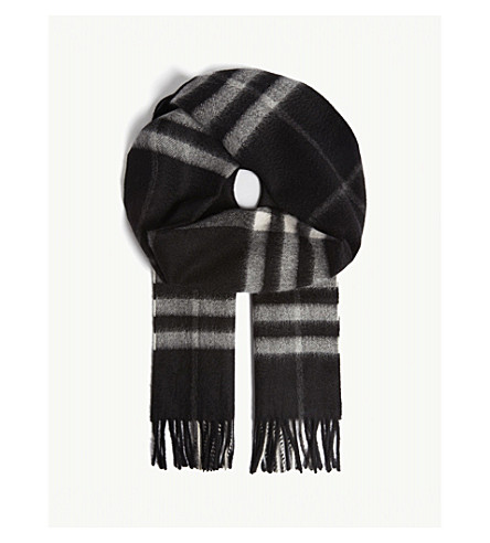BURBERRY Giant Check cashmere scarf (Black+check