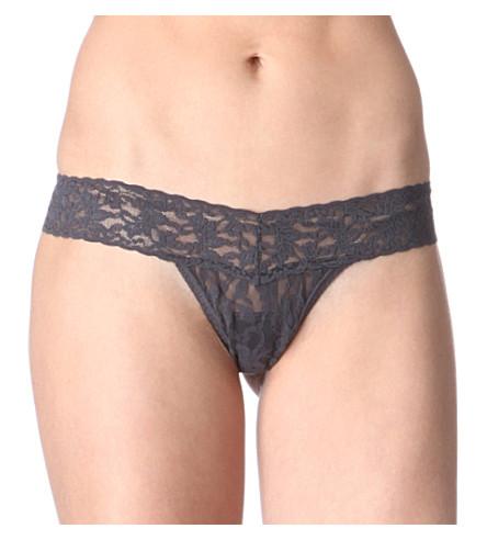 HANKY PANKY Signature Lace Low Rise Thong (Granite