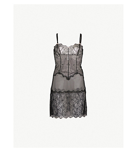 B.TEMPT'D B.Sultry lace chemise (Night