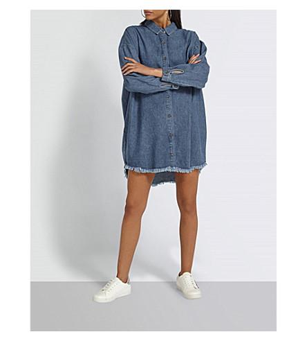 MISSGUIDED Frayed-hem oversized denim dress (Blue