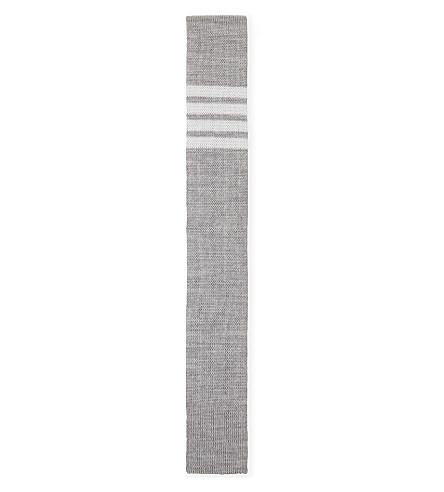 THOM BROWNE 四条条纹针织羊毛领带 (中 + 灰