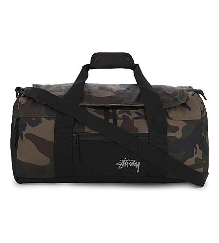 STUSSY Camouflage stock duffle bag (Woodland+camo