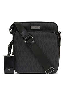 MICHAEL KORS Signature flight bag