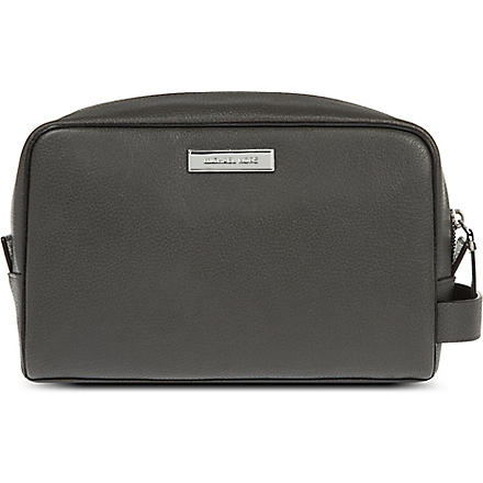 MICHAEL KORS Grained leather wash bag (Graphite