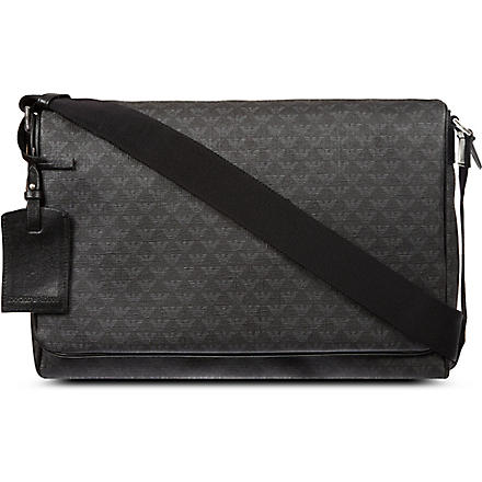 EMPORIO ARMANI Logo messenger bag (Black