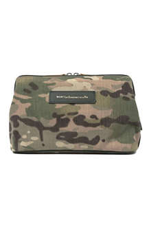 WANT LES ESSENTIELS Nick Wooster camouflage Kenyatta wash bag