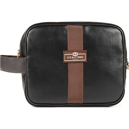 OTIS BATTERBEE Large faux-leather wash bag (Black