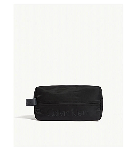 CALVIN KLEIN Matthew 2.0 nylon washbag (Black