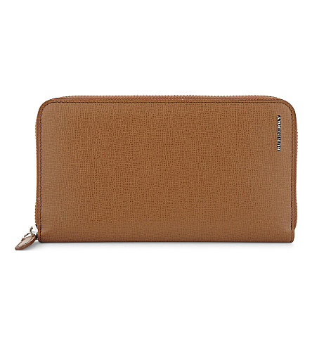 BURBERRY Renfrew London leather wallet (21600