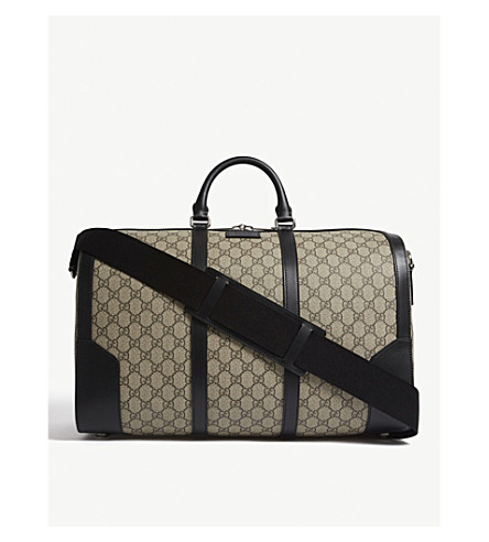 GUCCI GG Supreme medium duffle bag (Beige