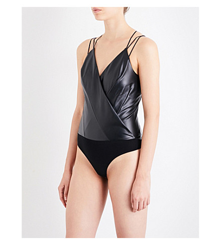 WOLFORD Estella leatherette body (Black