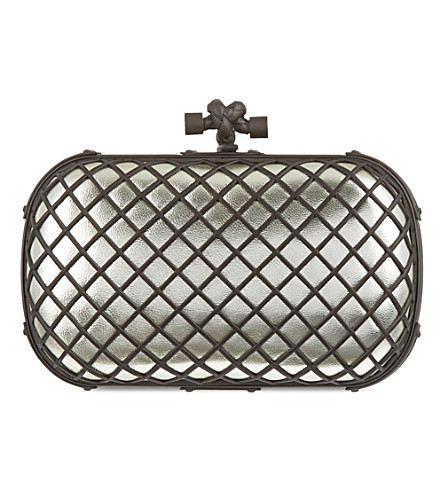 BOTTEGA VENETA Grid nappa-leather knot clutch (Plat