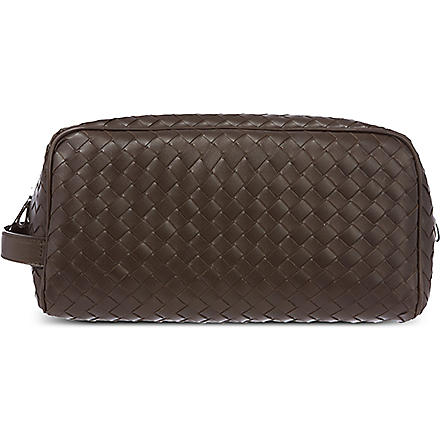 BOTTEGA VENETA Woven leather wash bag (Ebano