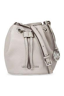 MICHAEL MICHAEL KORS Jules drawstrng xbody silver bag