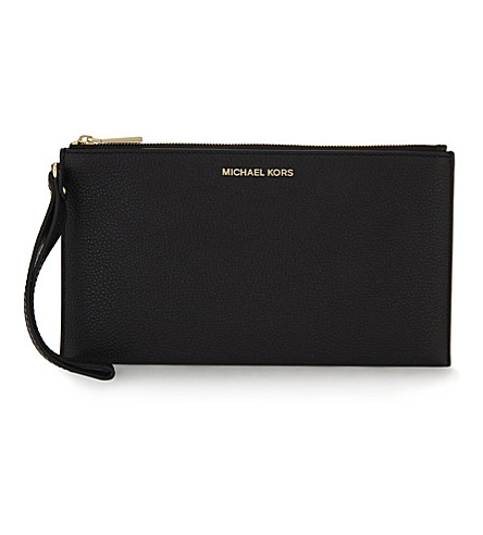 MICHAEL MICHAEL KORS Grained leather wristlet (Black