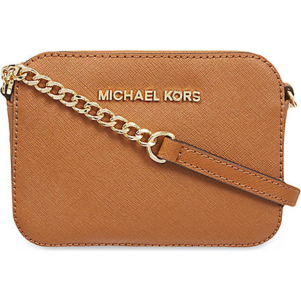 MICHAEL MICHAEL KORS Jet Set Travel saffiano-leather cross-body bag (Luggage