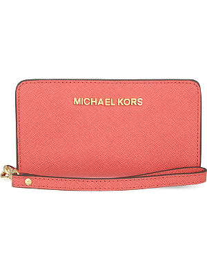 MICHAEL MICHAEL KORS Jet Set wristlet tech wallet