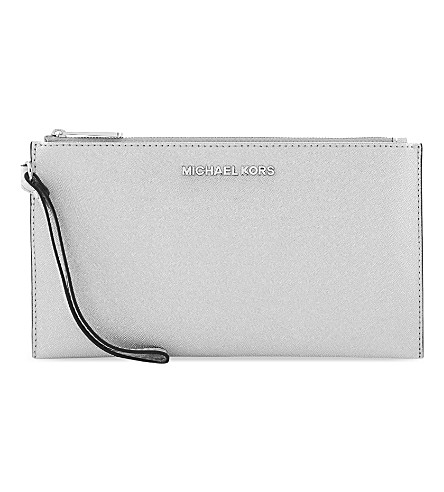 MICHAEL MICHAEL KORS Jet Set Saffiano leather clutch (Silver