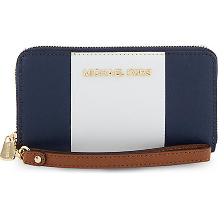 MICHAEL KORS Jet Set Phone Case (Nvy/wht/lugg